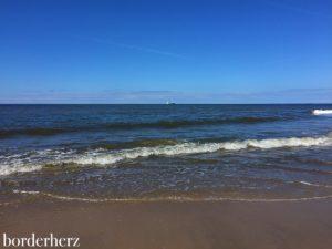 Wellen am Strand von Wenningstedt