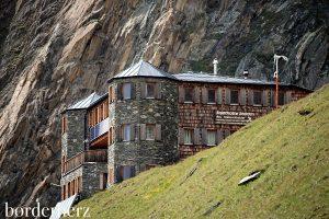 Schloss in den Bergen