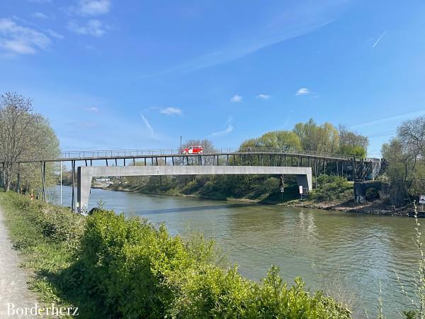 Tausenfüßlerbrücke
